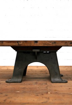 Tisch Kirchner